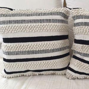 Textured Weave Black & White Pillow
